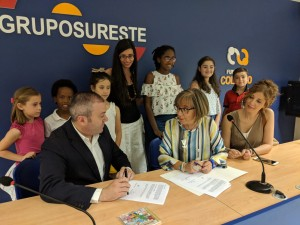 Firma Convenio FColucho-Colegio NSraLosAngeles1
